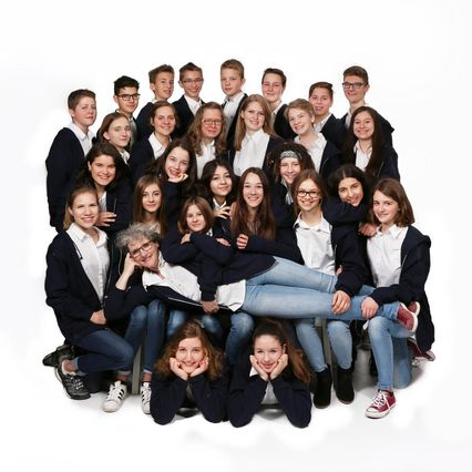 Boni Teens Jugendchor Gruppenbild in Farbe